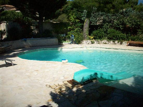 Les Tourterelles: piscina
