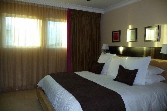 Ocean Two Resort & Residences: bedroom 2