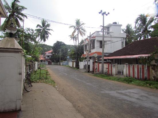 Gama Heritage Residency: Street outside the Gama - on the way to the beach.
