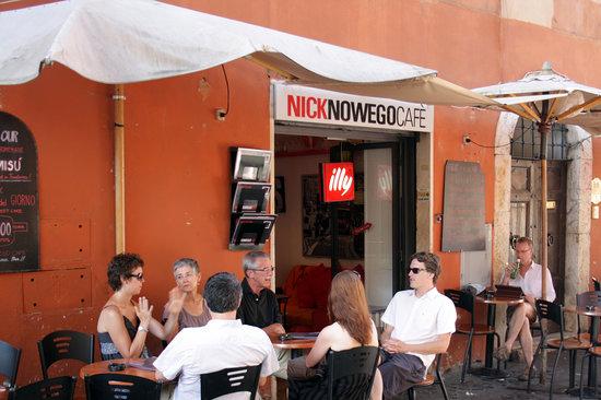 Nick Nowego Cafe's: tables