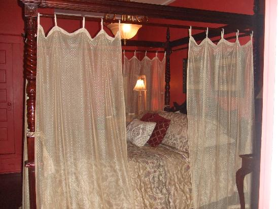 The Saragossa Inn B&B: Southwind, our favorite room