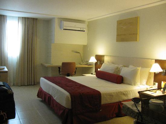 Comfort Suites Macae: Bedroom