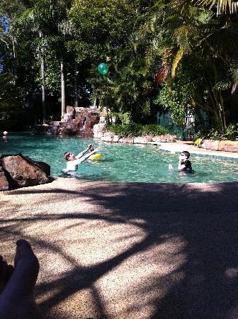 Ashmore Palms Holiday Village: Kids enjoying the pool
