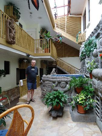 Adventure Inn: Inside the atrium