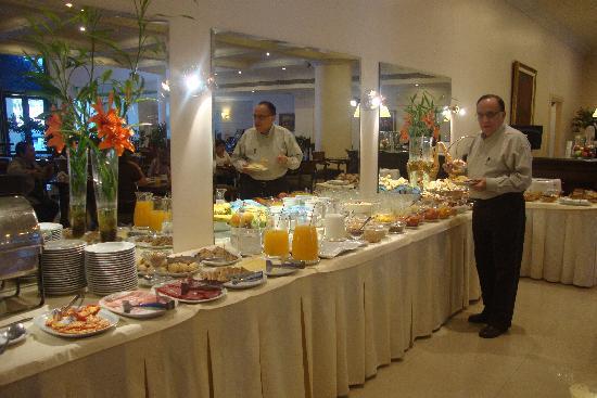 Scala Hotel Buenos Aires: Restaurante - bufet