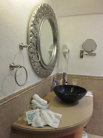 Mariner King Inn: Beautiful Bathroom