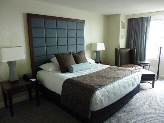Hilton Philadelphia at Penn's Landing: Bed