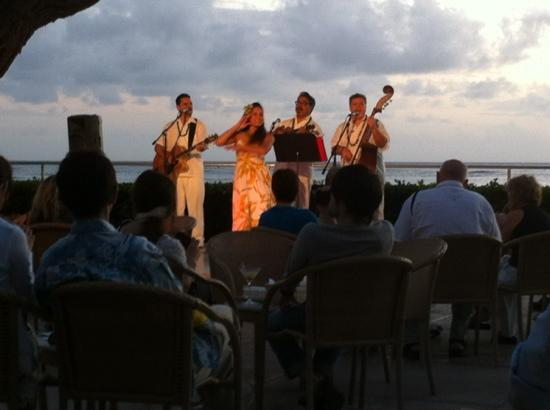 Live Hawaiian music at sunset