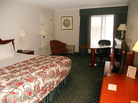 La Quinta Inn Lynnwood : roomy and clean