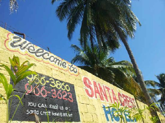 Santa Crest Hotel: Main Entrance