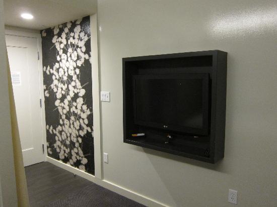 Hotel Keen: TV