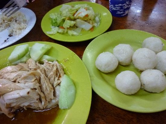 Seri Costa Hotel-Resort: Yummy famous chicken rice ball