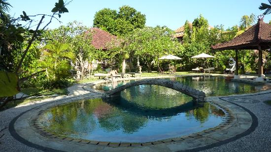 Sukun Bali Cottages: Most pleasant swimming pool