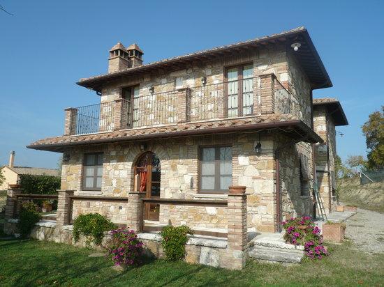 Podereilbiancospino: the villa