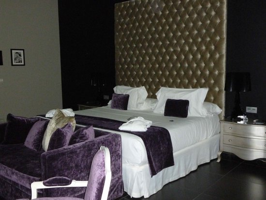 Eurostars Sevilla Boutique: Bedroom does not show how big it was