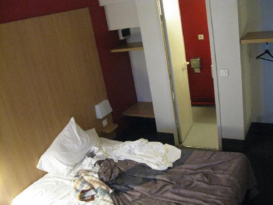 B&B Hotel Calais Coquelles Tunnel Sous La Manche: B&B Hotel Room