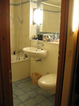 Campanile Venlo: Venlo Campanile Hotel Room