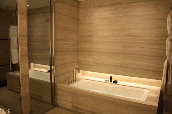 Armani Hotel Milano: Bain