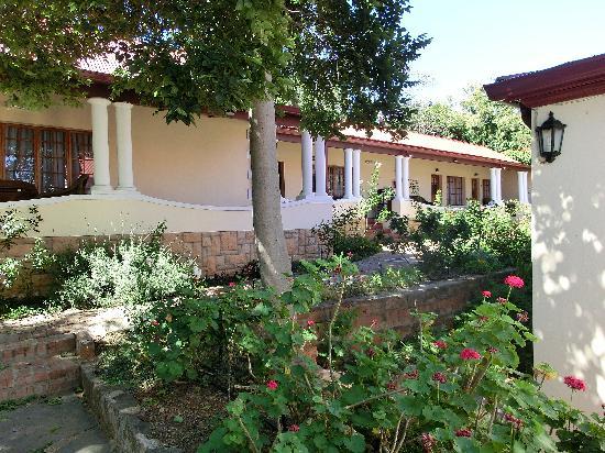 Melvin Residence Guest House: balkony