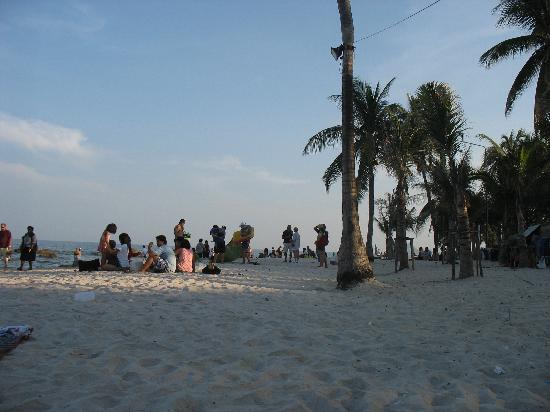 โรงแรมหัวหิน มาร์ควิน ลอดจ์: playa-beach