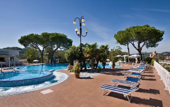 Hotel Augustus Terme: Pool terrace