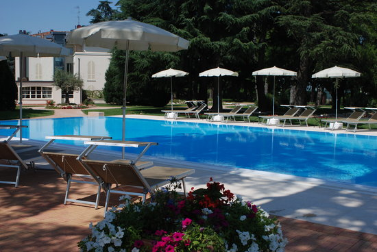 Eurogarden hotel updated 2017 reviews price comparison for Piscina hotel bologna