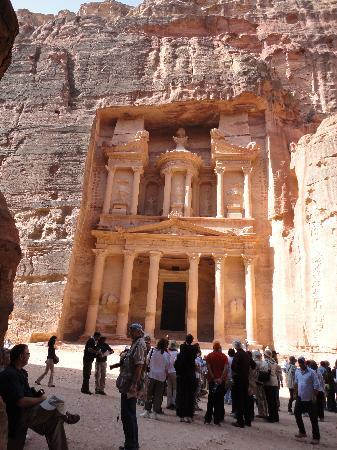 Petra By Night : Monaster