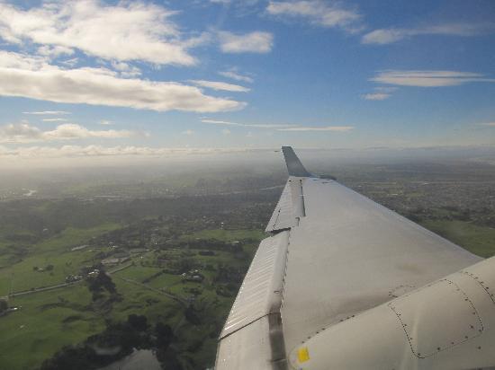 Aotea Motor Lodge : Wanganui from the sky.