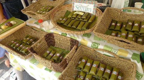 Salcedo Saturday Market : Yummy rice cakes!