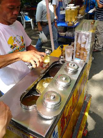 Salcedo Saturday Market : Local ice cream