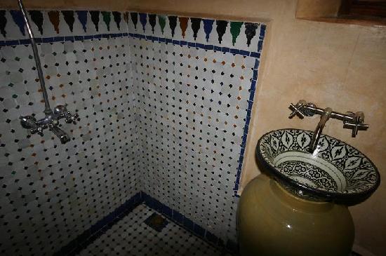 Dar El Menia: Ensuite Bathroom