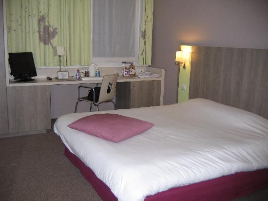 Kyriad Chartres: Bedroom