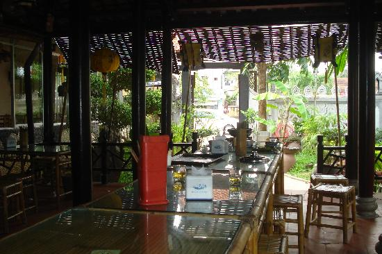 Lien Hoa: (part of) the dining area
