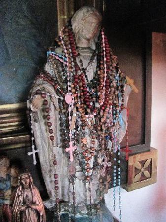 Wallfahrtskirche zur schmerzhaften Mutter Gottes: chapel nearby, colloidal black