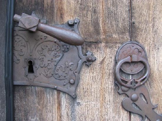 St. Laurentius und St. Gotthard: old lock