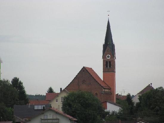 St. Laurentius und St. Gotthard: from afar