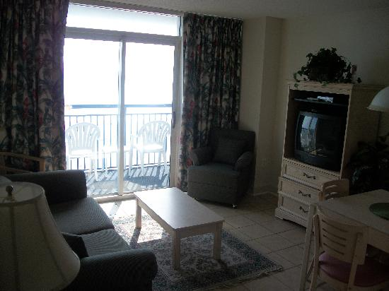 Palmetto Shores Oceanfront: LIVING ROOM OF OCEANFRONT 2BR
