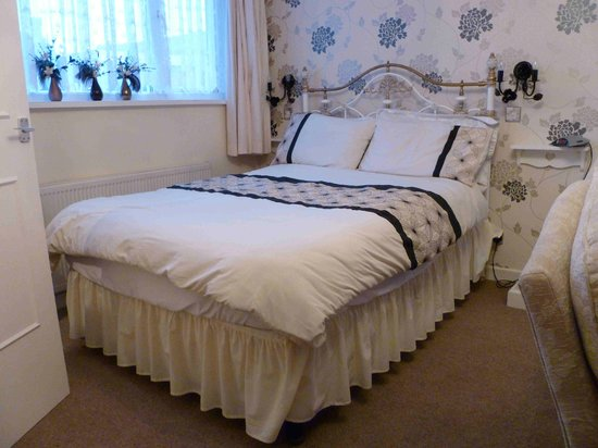The North Crest Hotel : Bed