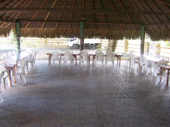 Paraiso Restaurante & Bar : large area available for groups or dancing