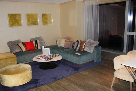 W Hong Kong: Mafia Suite Living Room