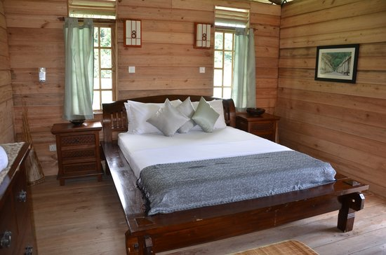 Telunas Beach Resort: Chalet bedroom