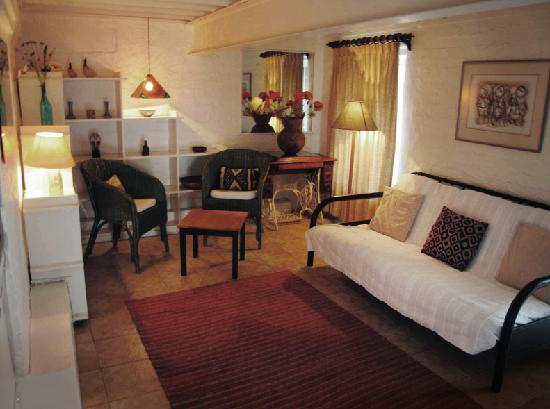 Mountain Magic Garden Suites: Spacious Lounge in our Signature Mountain Magic Suite
