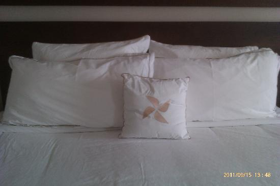 Four Points by Sheraton Lagos: Sumptuous Bed