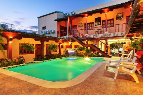 Hotel La Mar Dulce: Piscina