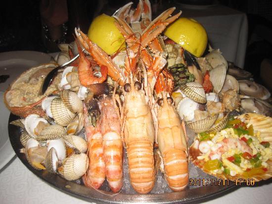 Botafumeiro: The 85 euro shellfish platter!!!