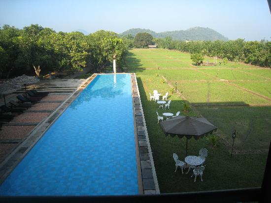 Thilanka Resort and Spa: View from the restaurant