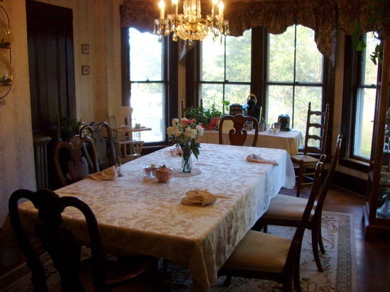 Swanzey, NH: Dining room