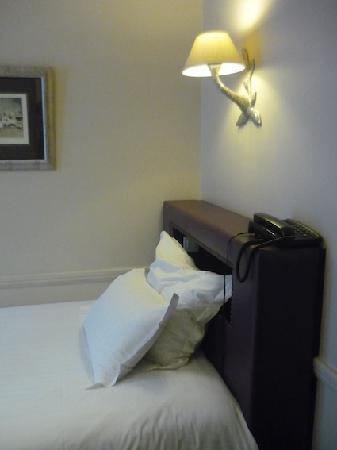 Hotel Gramont Opera Paris: Bed