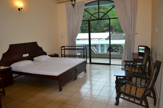 Kandyan Reach Hotel : My US$38  room
