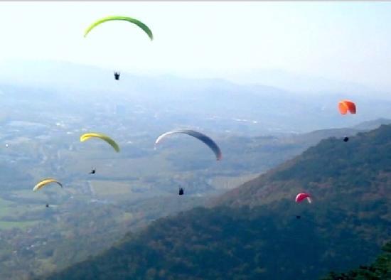 Vzletisce Lijak - Lijak Jump Point : sky full of sails